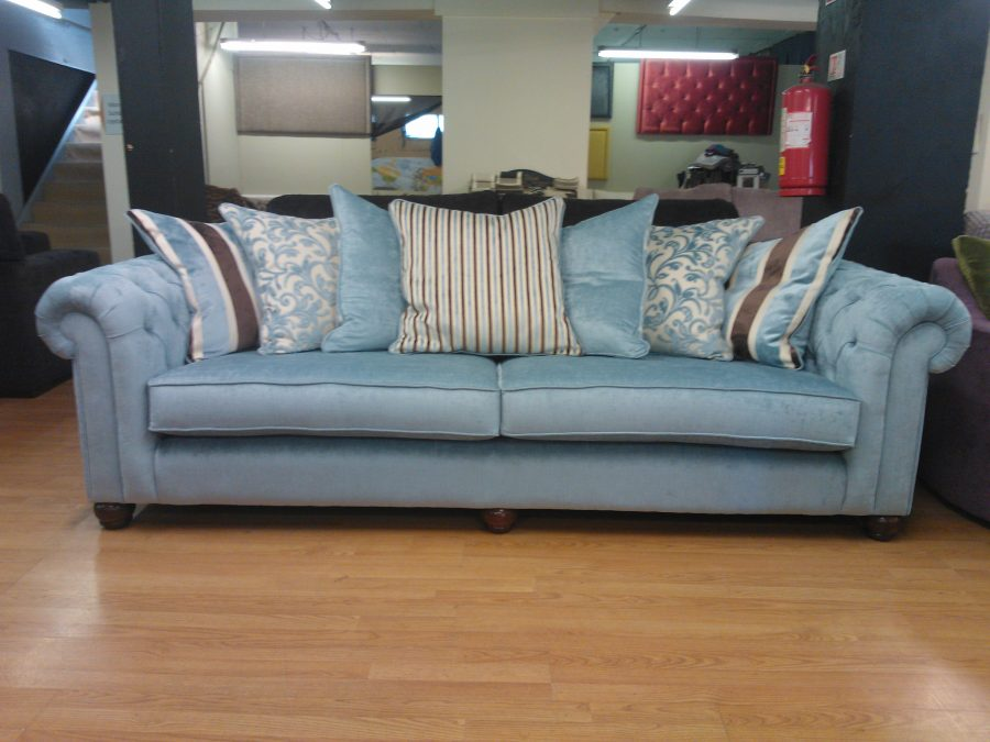 Chesterfield 4 seater sofa sofa so good for Sofa 4 meter